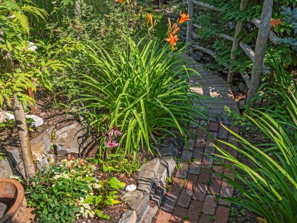 brick layer garden path